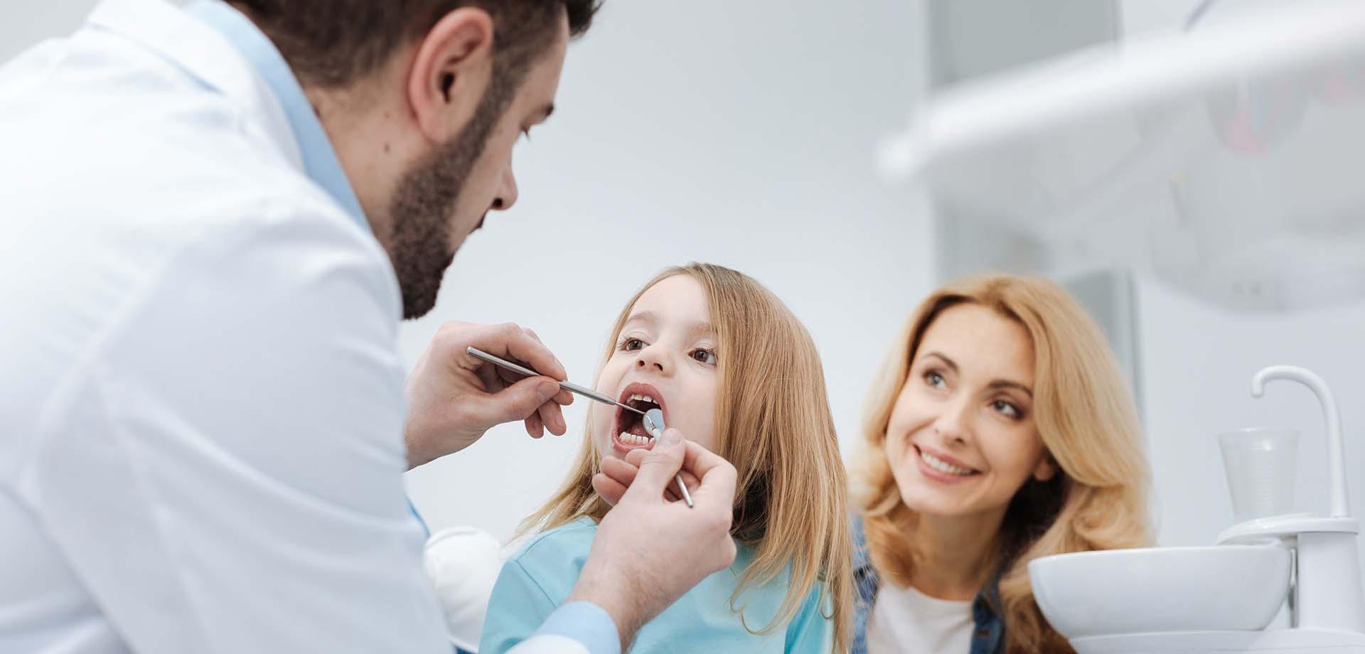Controllo denti bambini