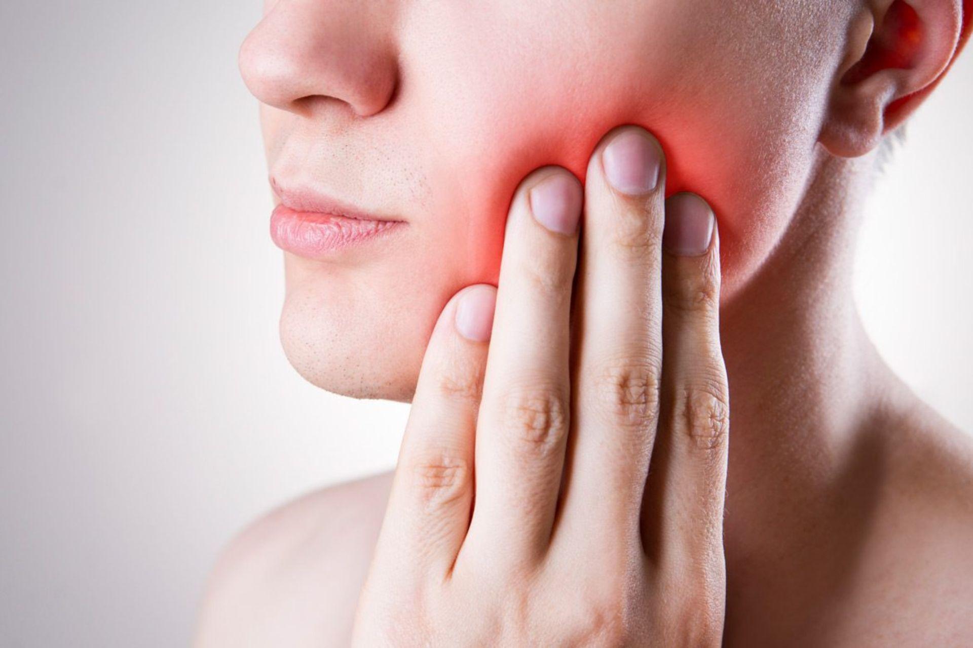 Denti del giudizio doloranti